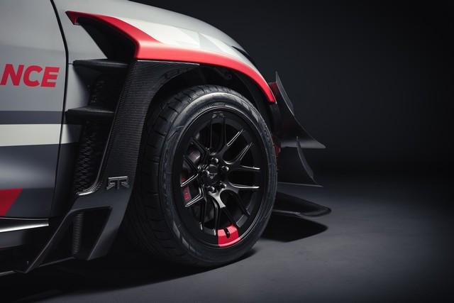 Ford Performance et RTR dévoilent un prototype 100% électrique, la Mustang Mach-E 1400, pour un nouvel art du drift Mach-E-1400-Reveal-Photos-15