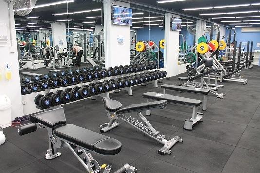 https://i.ibb.co/6Db7rYL/Gym-floor-Free-weights-area.jpg