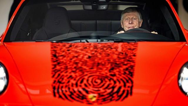 Célébrer une icône néerlandaise de la course automobile: la 911 unique avec l'empreinte digitale de Gijs van Lennep Pro-Res-Porsche-911-Gijs-van-Lennep27