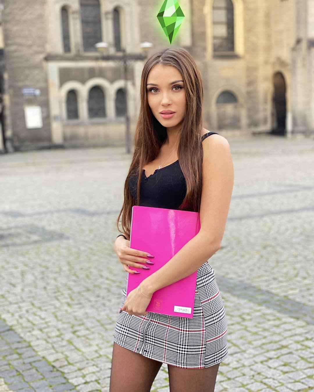 Natalia-Kaczmarczyk-Wallpapers-Insta-Fit-Bio-7