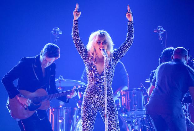 Grammys-Performance-1.jpg