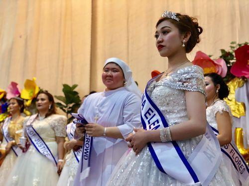 Hundreds of Catholic migrants celebrate Filipino festival in