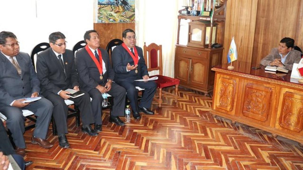 Concluirán sede judicial en la provincia de Huancané, según acuerdo de autoridades