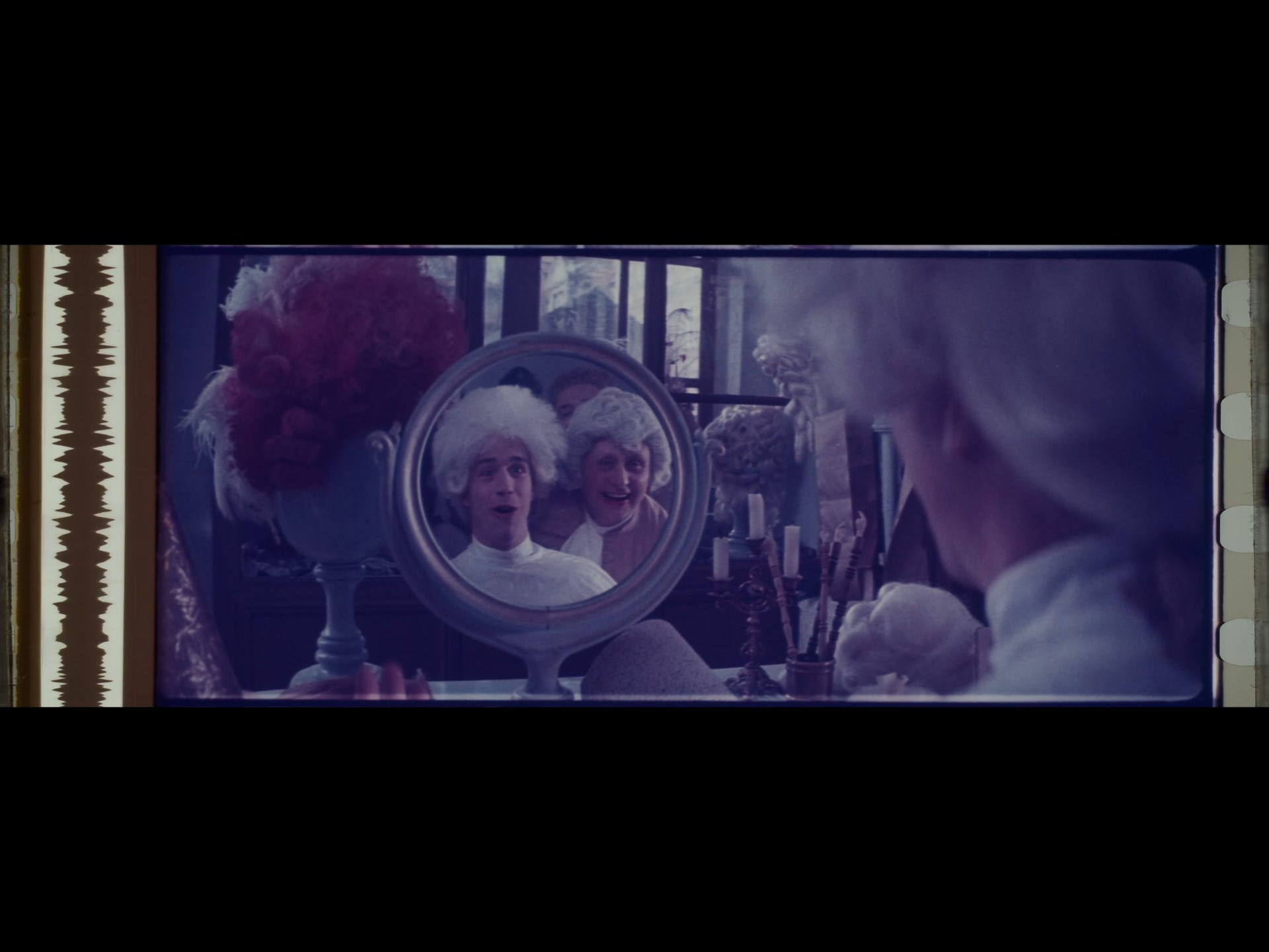 [Image: Amadeus-R2-mp4-snapshot-06-01-333.jpg]