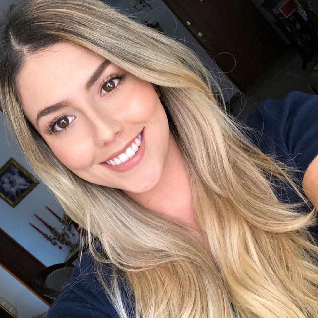 Mariana-Lopez-Wallpapers-Insta-Fit-Bio-8