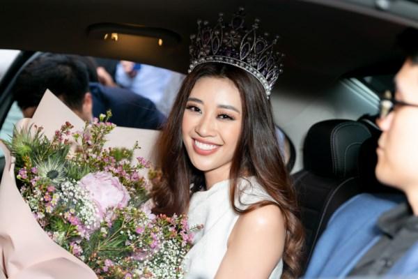 Top-3-Hoa-hau-Hoan-vu-Viet-Nam-2019-tro-ve-TPHCM-38-1600x1200.jpg