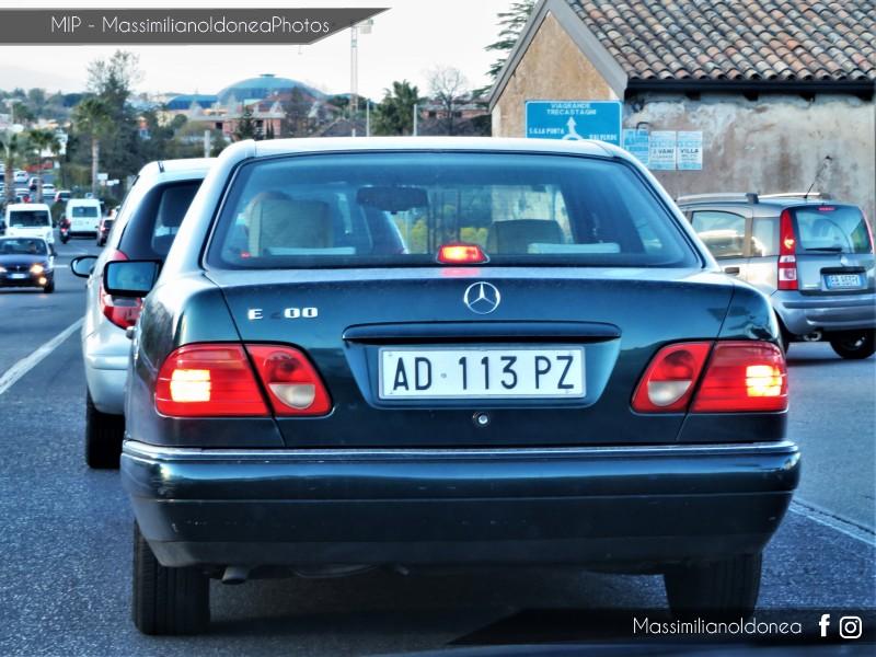 avvistamenti auto storiche - Pagina 15 Mercedes-W210-E-200-2-0-136cv-5-DICEMBRE-95-AD113-PZ-221-773-3-9-2018-5