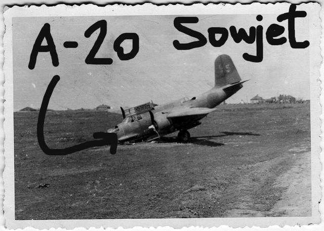 Orig-Foto-Luftwaffe-beute-Flugzeug-A-20-sowjetisch-Sowjet