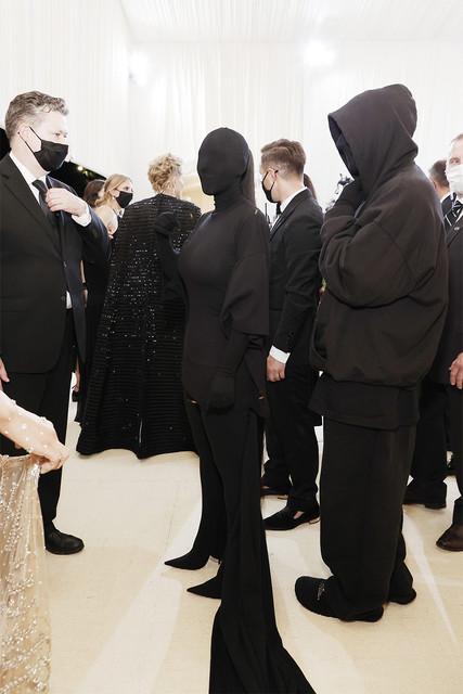 https://i.ibb.co/6Nk2C9Y/NEW-YORK-NEW-YORK-SEPTEMBER-13-Kim-Kardashian-attends-The-2021-Met-Gala-Celebrating-In-America-A-Lex.jpg