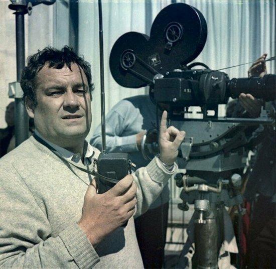 Все ли фильмы Вы узнаете по фото? Это старое доброе советское кино, такого 1589378026_zakulise-1