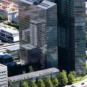 MNCHEN-12-06-2020-Hochhaus-Gebudekomplex-High-Light-Towers-an-der-Ecke-Mies-van-der-Rohe-und-Walter.jpg
