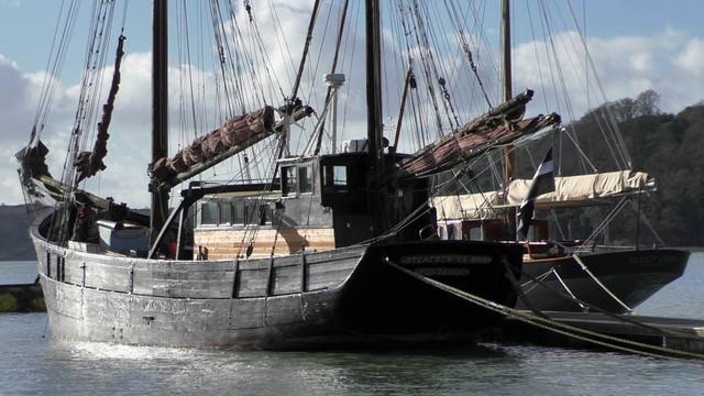 S1720012-big-boats