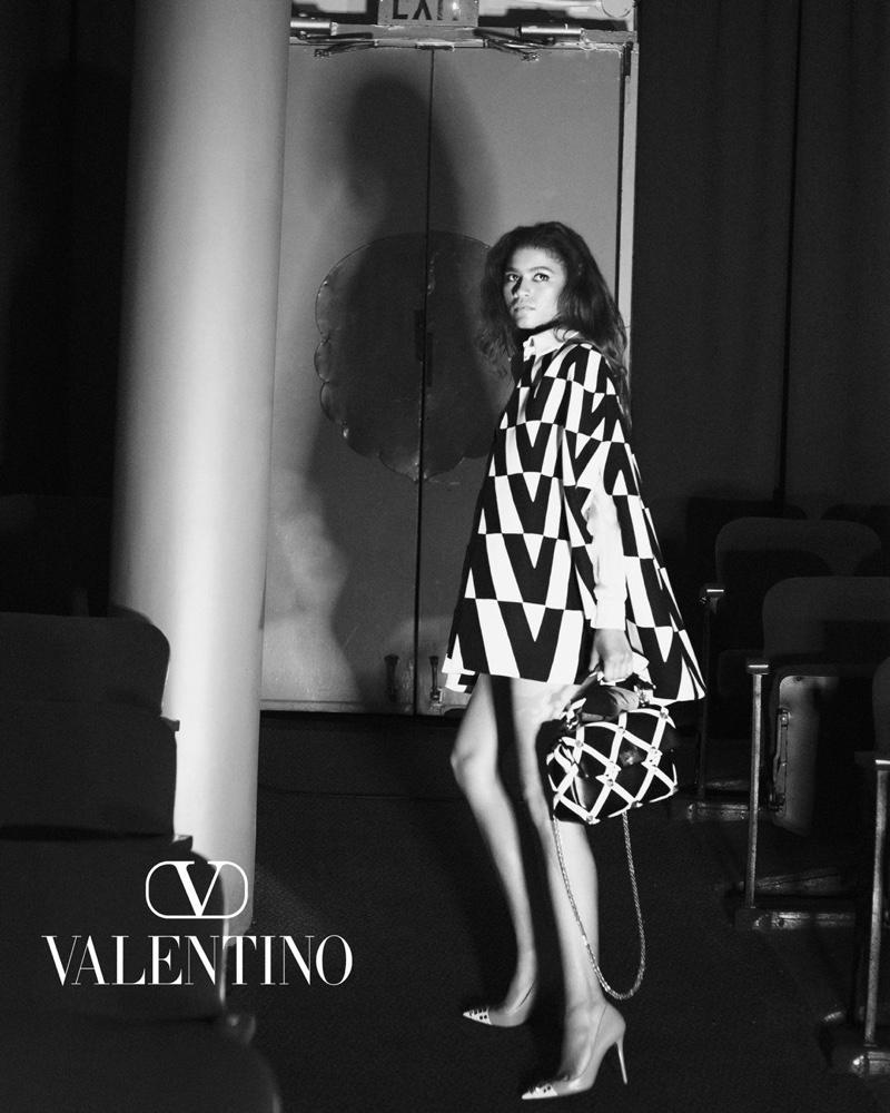 Zendaya volto della campagna Valentino Act Collection FW21-22