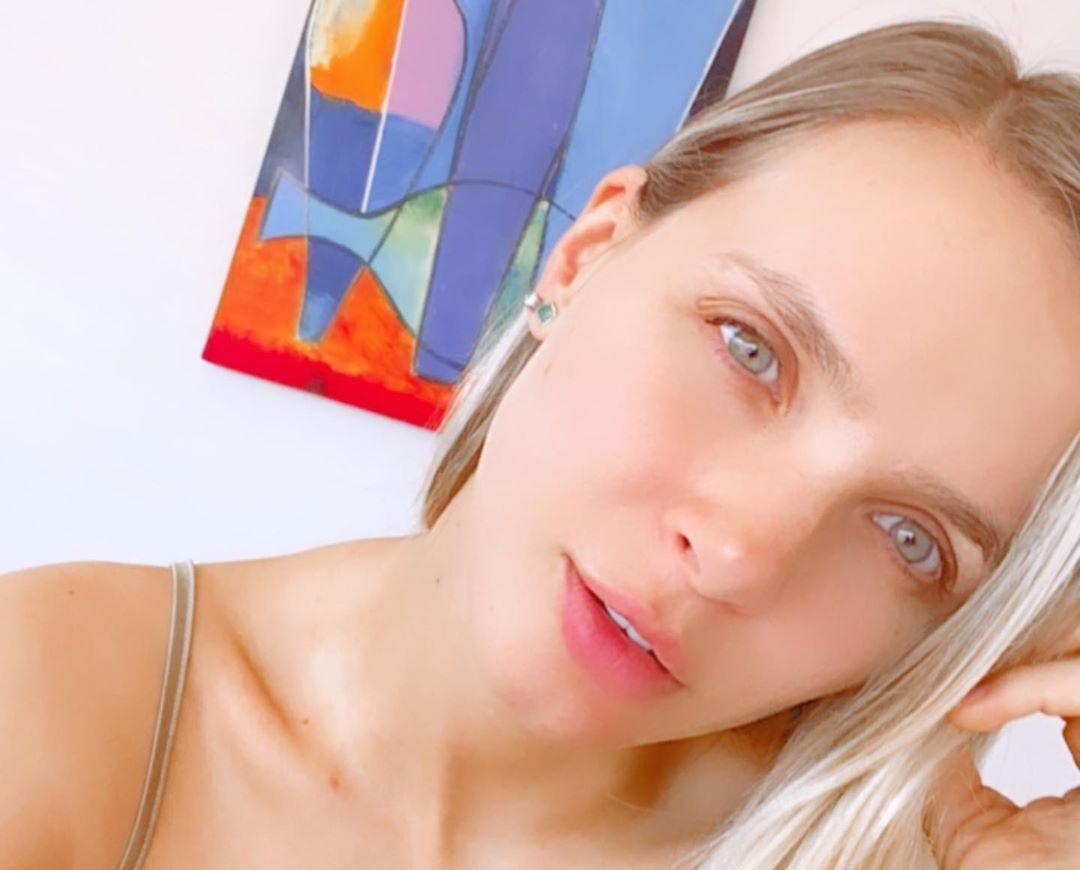 Elizabeth-Loaiza-Junca-Wallpapers-Insta-Fit-Bio-8
