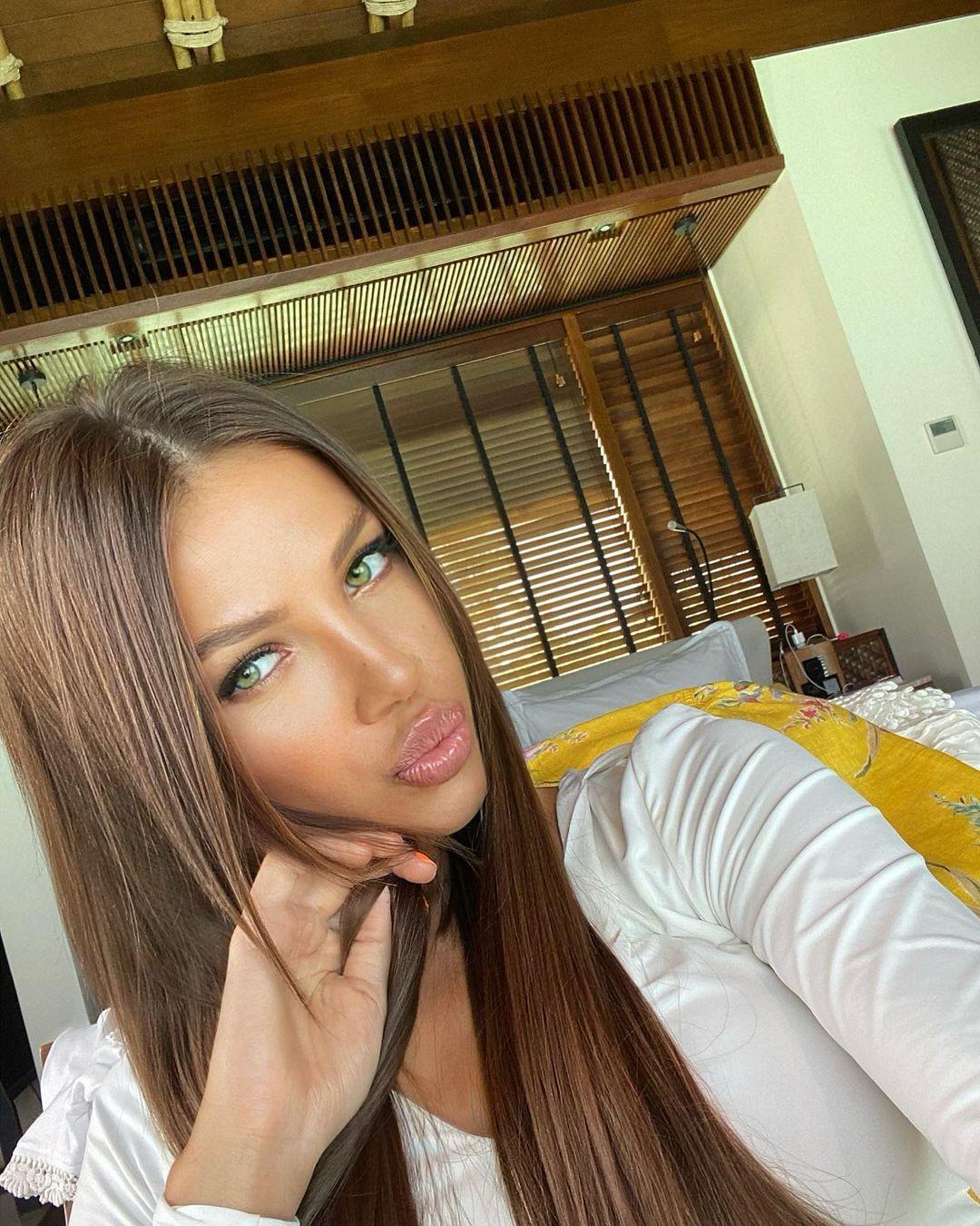 Inessa-Shevchuk-Wallpapers-Insta-Fit-Bio-19