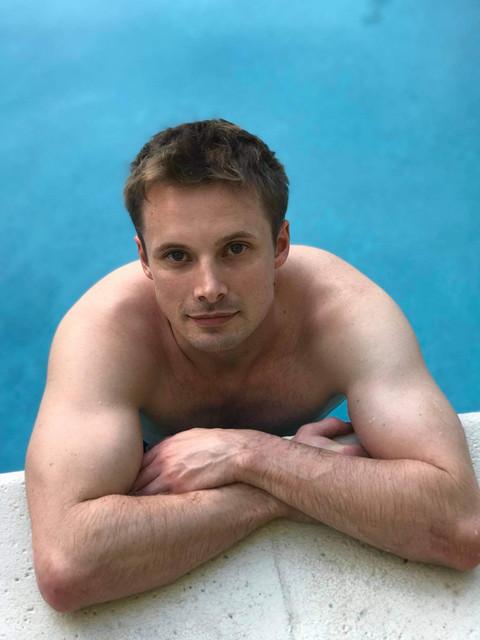 Bradley-James-shirtless-2