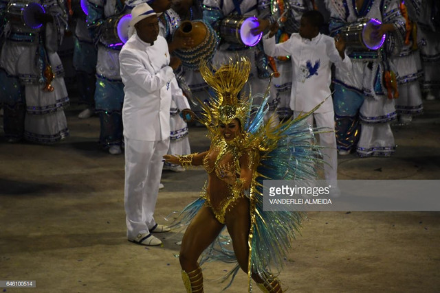 Revellers-of-the-Portela-samba-school-perform-on-the-second-night-of-Rio-s-Carnival-at-the-Sambadrom