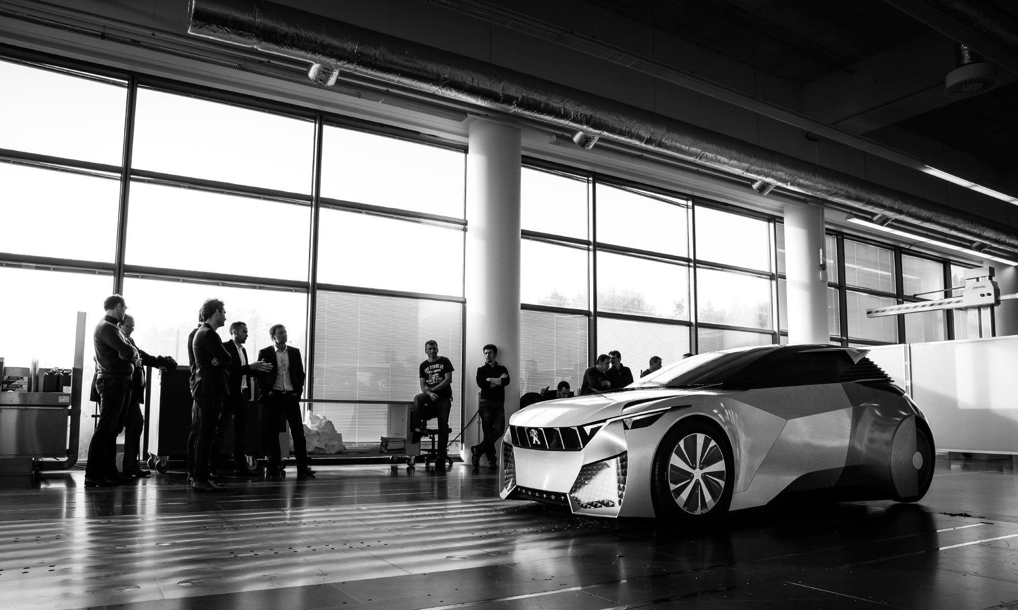 2020 - [Peugeot] Concept Paris 140937-peugeot-fractal-design-development-01