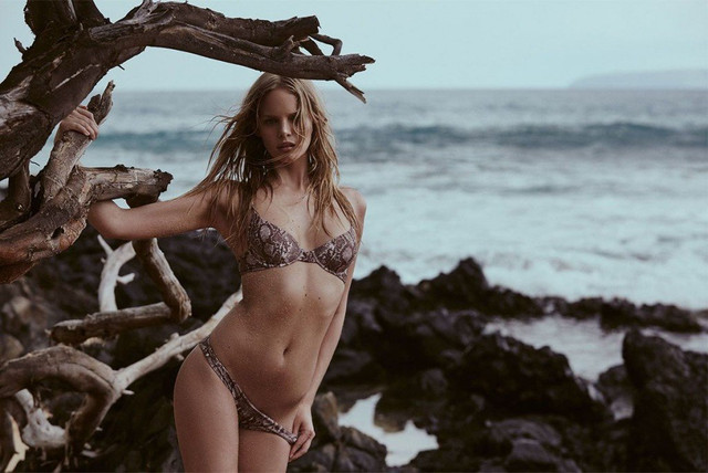 Marloes-Horst-Sexy-Topless-5-1024x684
