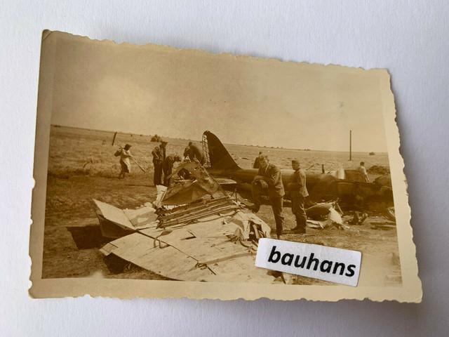 Foto-Russland-Flugzeug-abgeschossen-Bomber-Kriegsschrott-2-WK