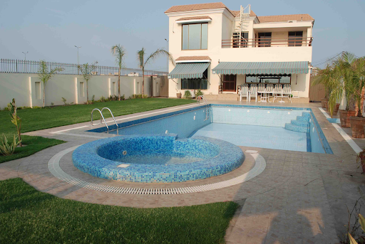 Things to Consider When Hiring the Best Pool Builders