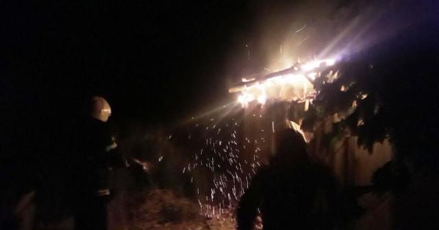 Очаковец вынес из горящего дома двух детей