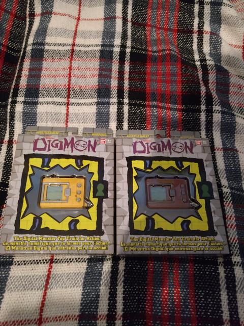 Digimon-20th-Anniversay-V-Pet-English