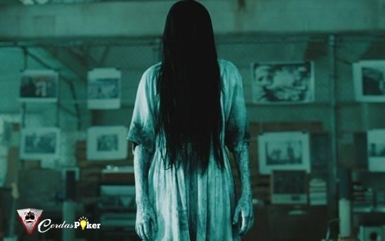 5 Alasan Mengapa Hantu di Film Horor Kebanyakan Perempuan, Lebih Seram?