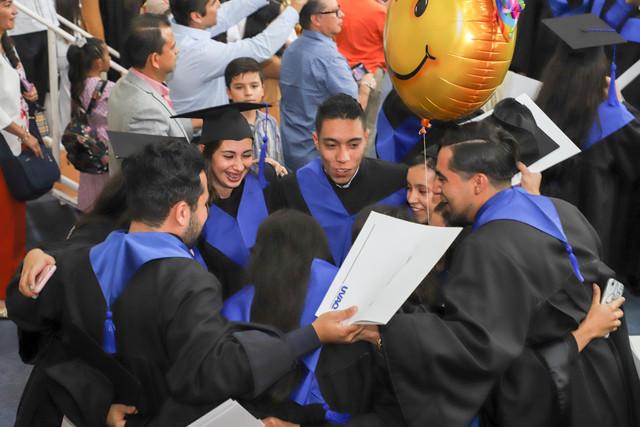 Graduacio-n-Cuatrimestral-101