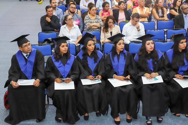 Graduacio-n-Gestio-n-Empresarial-58