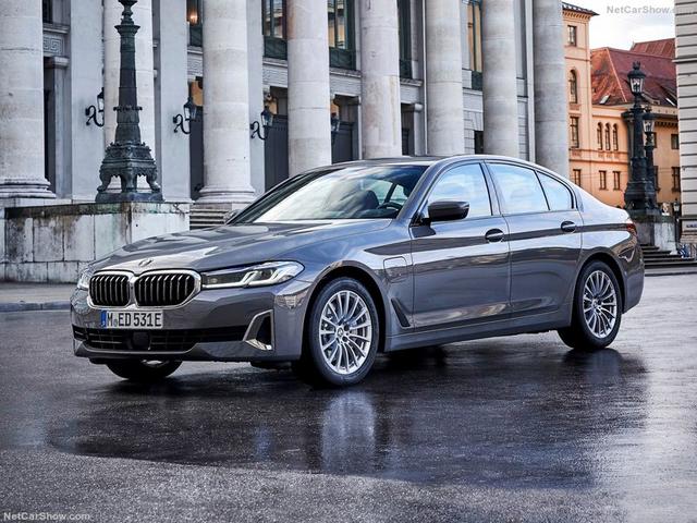2020 - [BMW] Série 5 restylée [G30] - Page 11 EE2-A2-C0-B-1-F58-4-ABA-B533-8224-E2-FA0-CF6