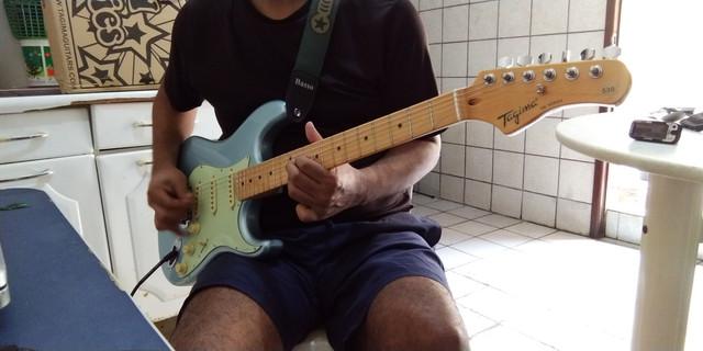 Guitarra Telecaster ou Epiphone Les Paul SL - Página 2 P-20200209-164745