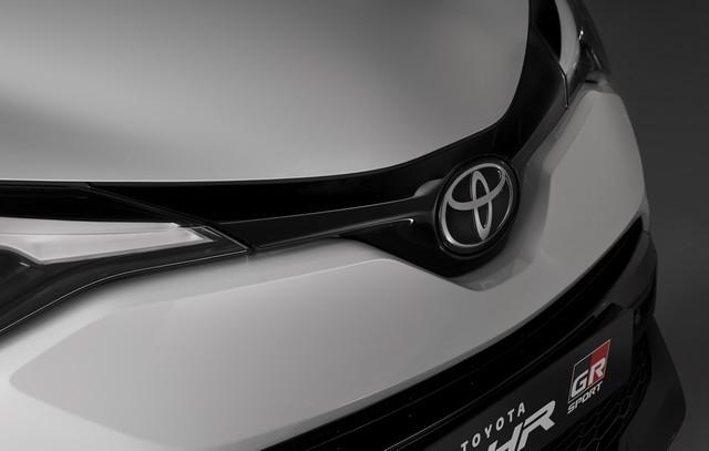 Toyota C-HR « GR SPORT » : encore plus dynamique et plus exclusif  Chrext2-2