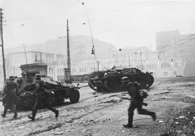 Zentralbild-II-Weltkrieg-1939-1945-Am-25-10-1941-konnte-die-faschistische-deutsche-Wehrmacht-mit-ber