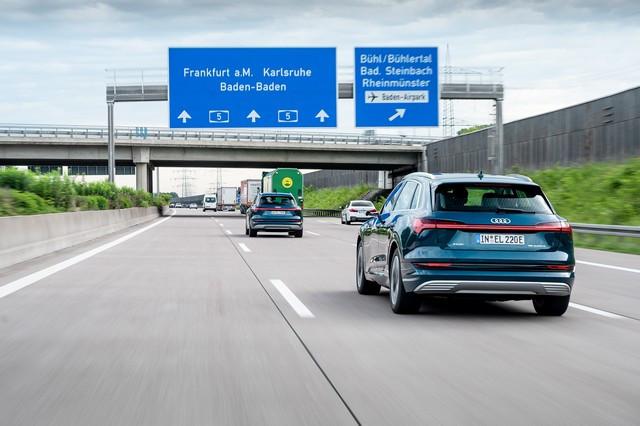 Assistant intelligent pour la conduite électrique: le calculateur d' itinéraire Audi e-tron A1910800-medium