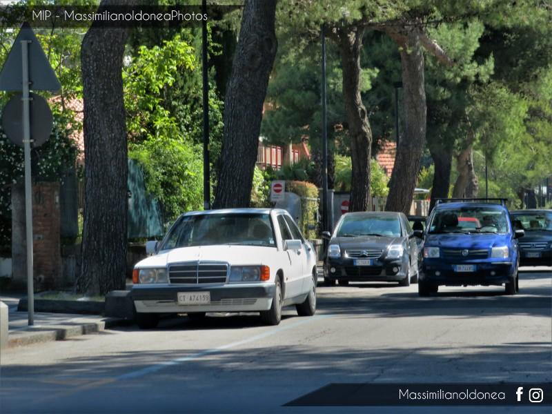 avvistamenti auto storiche - Pagina 21 Mercedes-W201-190-E-1-8-109cv-93-CTA74139