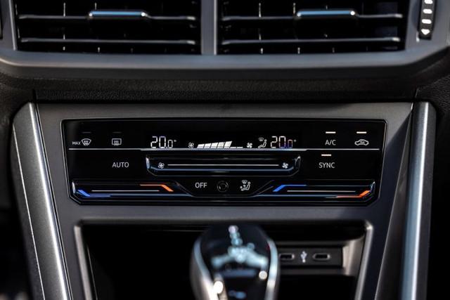 2021 - [Volkswagen] Polo VI Restylée  - Page 9 B54-EBDA7-5-B41-4-B5-D-8-F8-D-67-BAE8-EFBDB2