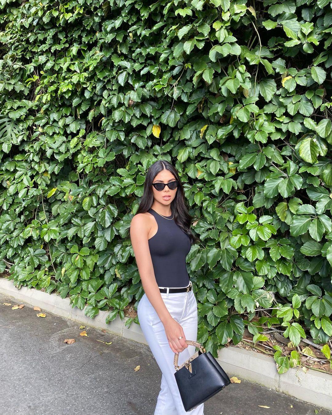 Luisa-Fernanda-Castano-Wallpapers-Insta-Fit-Bio-7