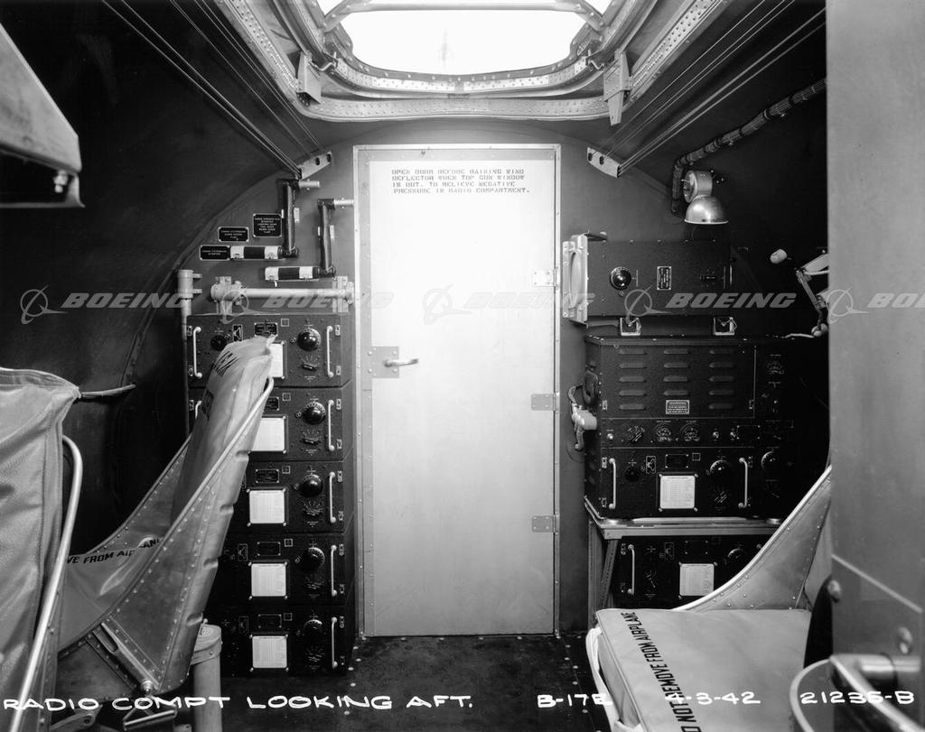 Boeing-B-17-E-interior-6.jpg