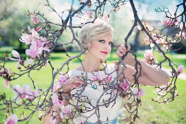 beautiful-woman-764079-960-720