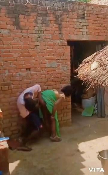 [Image: 654071638-Village-Bhabhi-mp4-snapshot-00...e337a0.jpg]