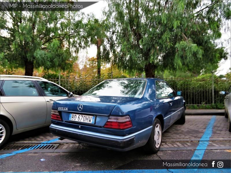 avvistamenti auto storiche - Pagina 7 Mercedes-C124-220-CE-2-2-150cv-BD670-HW-312-900-29-8-2018