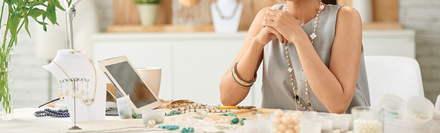 The-Entrepreneurs-Guide-to-Starting-a-Jewelry-Business-FEATURED