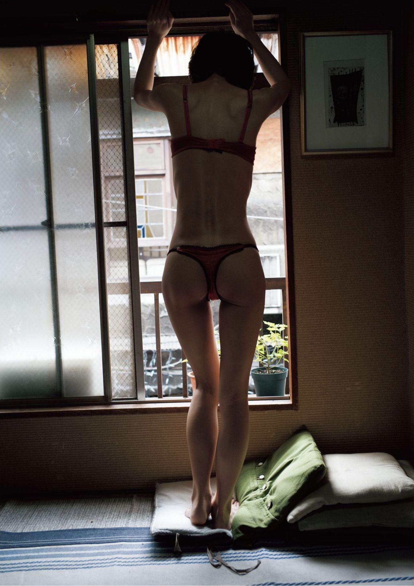 芳野友美ファースト写真集『或る女』057