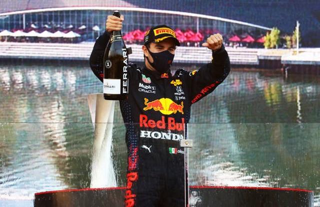 F1 GP d'Azerbaijan 2021 : Victoire Sergio Pérez (Red Bull Racing) 1322148621