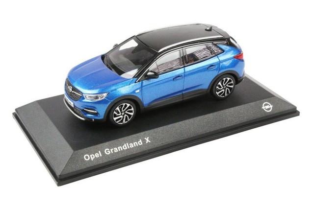 Achats en ligne : les cadeaux de Noël de la boutique Opel 09-Opel-513828