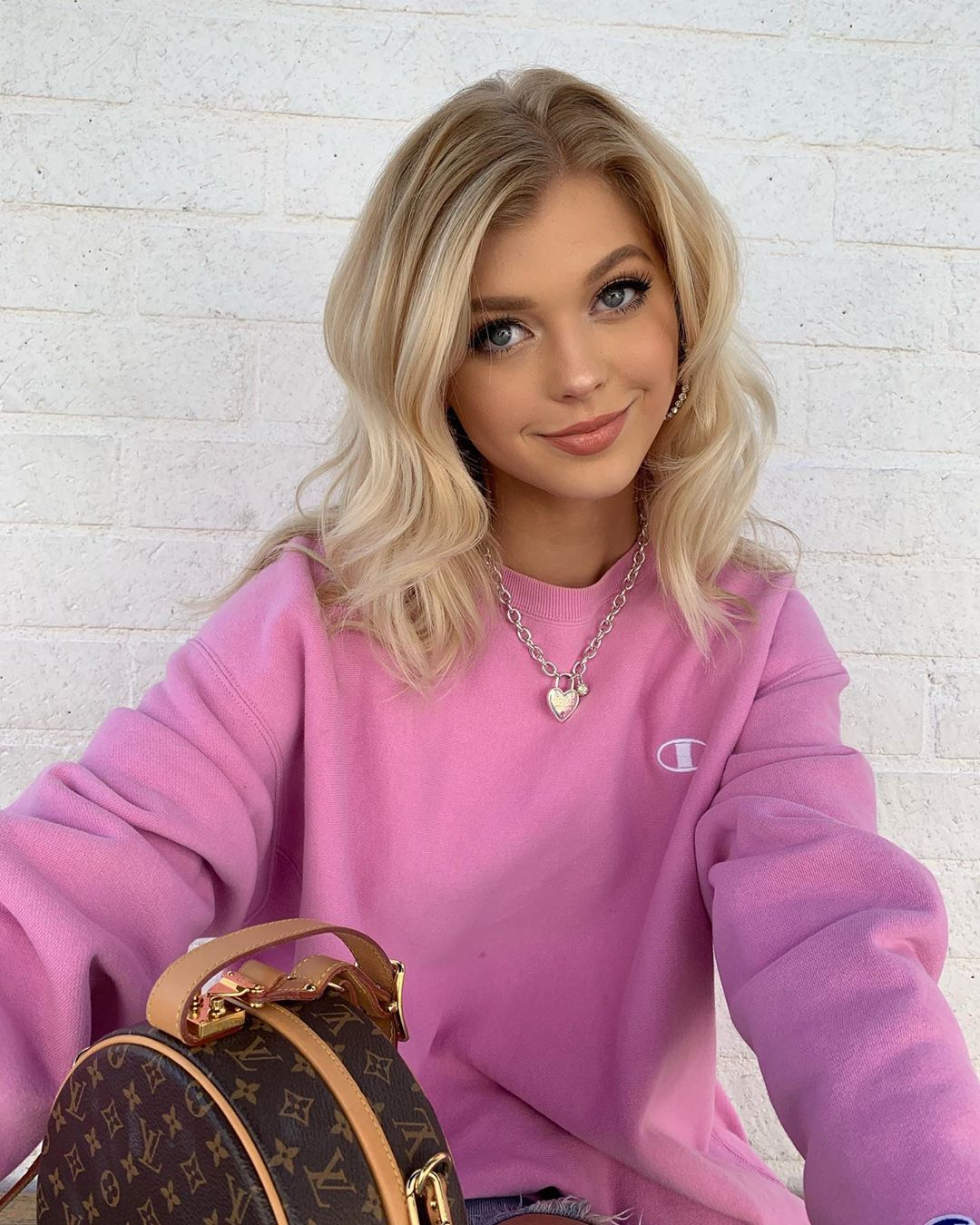 Loren-Gray-Wallpapers-Insta-Fit-Bio-2