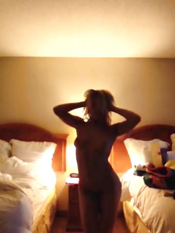 Voyeur-Flash-com-Janelle-Ginestra-nude-17
