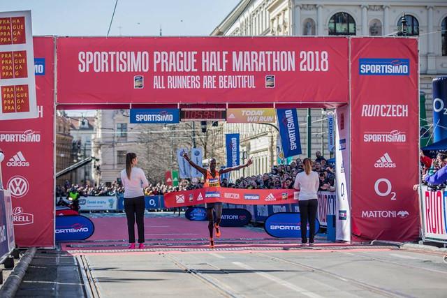 meta-medio-maaton-praga-travelmarathon-es