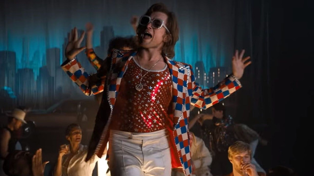 watch-elton-john-and-rocketman-star-taron-egerton-perform-tiny-dancer-together-social
